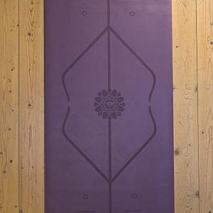 מזרן יוגה גומי טבעי דגם Purple